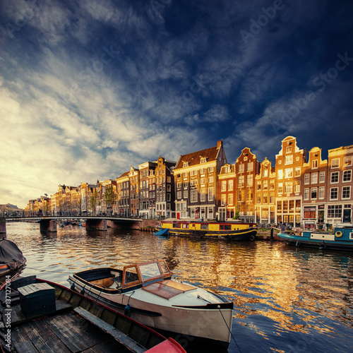 Foto op Canvas Amsterdam Amsterdam canal on the west.