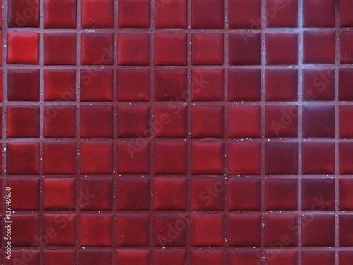 In de dag Bordeaux 灯台の赤いタイル