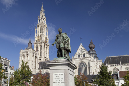 Fotobehang Antwerpen Cathedral and Rubens Monument in Antwerp