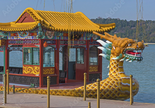 Fotobehang Peking Dragon boat on the Kunming Lake, Beijing, China