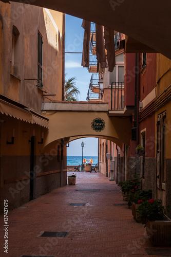 Viste del centro storico di Laigueglia, Mar Ligure, Savona, Liguria, Italia