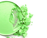 broken eye shadow green color (close up circle box)