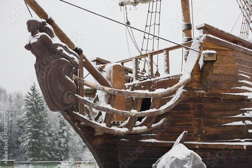 Keuken foto achterwand Schip Old ship in the snow