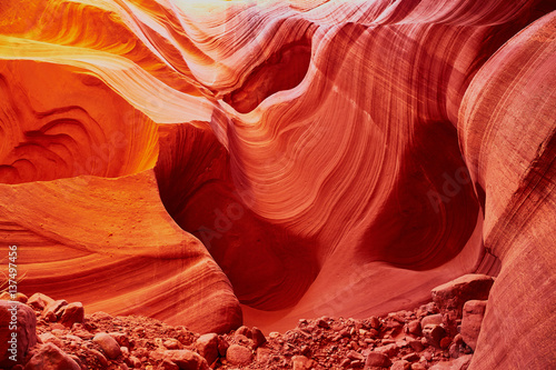 Poster Rood traf. Lower Antelope Canyon near Page, Arizona, USA