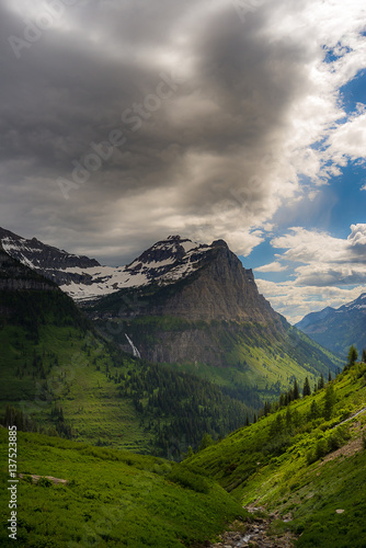 Foto op Aluminium Bergen Scenic view in Glacier National Park