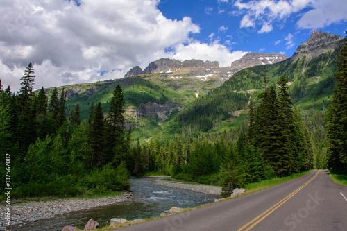 Foto op Aluminium Bergen Going-to-the-Sun Road in Glacier National Park, Montana USA