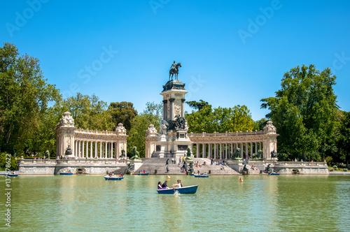 In de dag Madrid Park del Retiro in Madrid, Spain