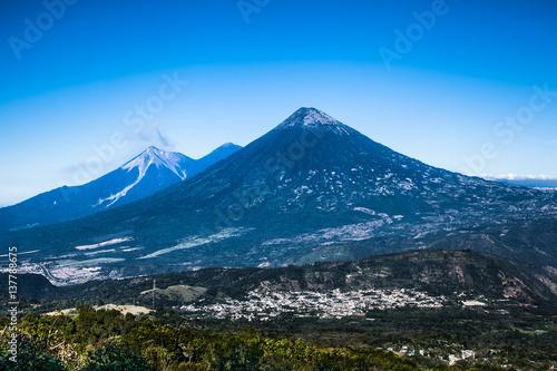 Fotobehang Centraal-Amerika Landen Volcan Fuego erupts a cloud of ash and smoke near Antigua, Guatemala.