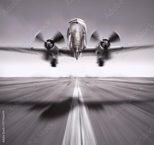 poczatek-historycznego-samolotu