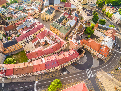 Zdjęcia na płótnie, fototapety na wymiar, obrazy na ścianę : Lublin - stare miasto z lotu ptaka. Atrakcje turystyczne lublina widok z powietrza.