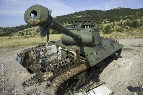 Poster Panzer, Wrack, Kroatien, Motorschaden, Krieg, Balkankrieg