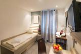 Einzelzimmer im Hotel - 138330051