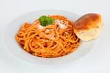 Spaghetti Napoli mit Pizzabrötchen