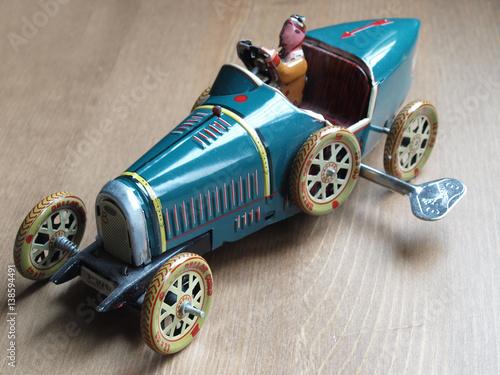 Zdjęcia vintage tin toy car