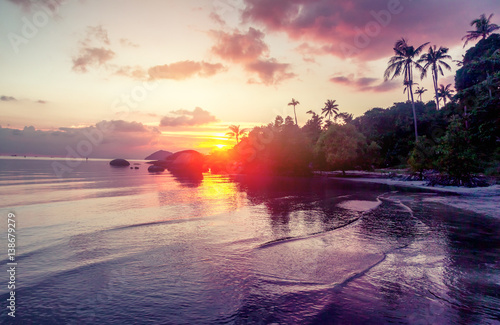 Fotobehang Lavendel beautiful sunset on the sea, wallpaper, holiday, beach holiday