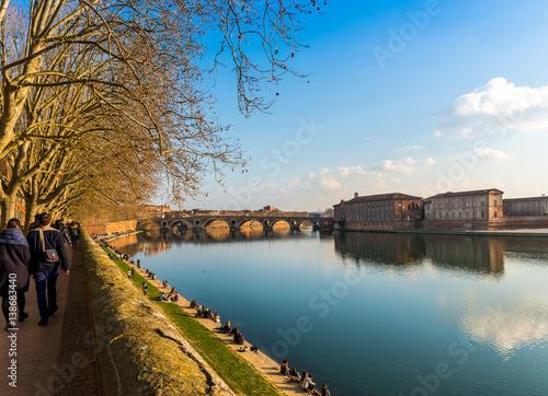 Poster Bord de la Garonne à Toulouse, Occitanie, France