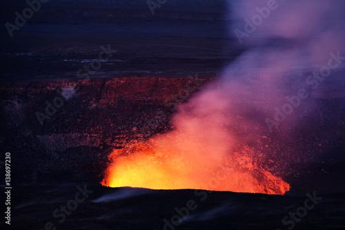 Fotobehang Natuur Park Kilauea volcano erupting in Hawaii Volcanoes Nationalpark (seen from Jaggar Museum)