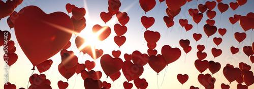 Herz-Luftballons im Abendhimmel