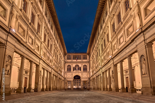 Staande foto Florence Florence, Tuscany, Italy: the courtyard of the Uffizi Gallery