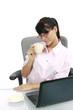 Leinwanddruck Bild - junge dunkelhaarige Frau im Büro