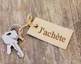 j'achète sur étiquette sur trousseau de clés,concept - 138849252