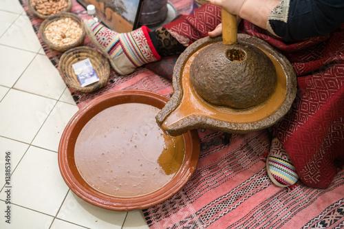 Processing argan seeds