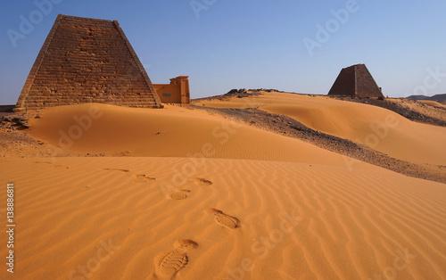 Die Pyramiden von Meroe im Sudan