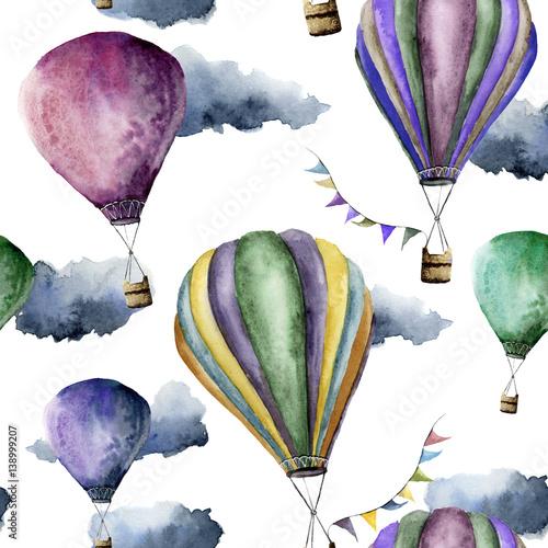 akwarela-wzor-z-jasnym-balonem-przewieziony-ornament-z-choragwianymi-girlandami-i-chmurami-odizolowywajacymi-na-bialym-tle