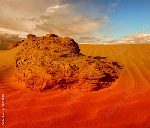 Fotobehang Rood traf. Sunset over the Sahara Desert