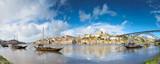 Porto starego miasta Pejzaż na rzece Douro z tradycyjnych łodzi Rabelo. Portugalia