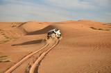 Fahrt in der Sandwüste