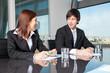 Leinwanddruck Bild - Personen zufrieden in Businessverhandlungen