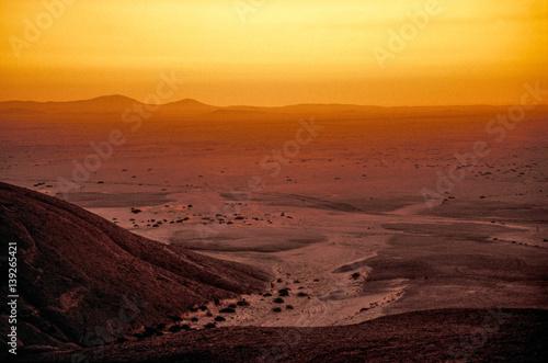 Poster Fantasie Landschap Hill Vogelfederberg, sunset, Namibia, Namib desert, Namib Nauklu