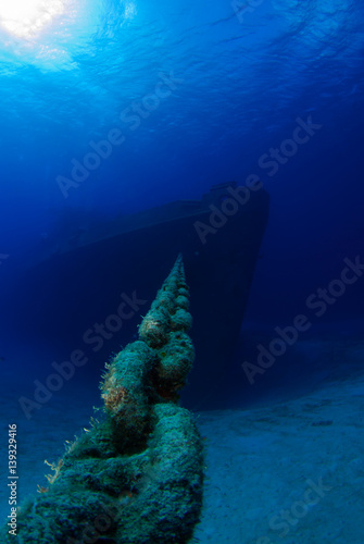 Aluminium Schipbreuk The bow section of the shipwreck uss Kittiwake in Grand Cayman. This sunken vessel is a popular attraction for scuba divers