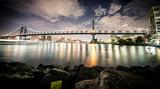 Night view of the famous Manhattan bridge