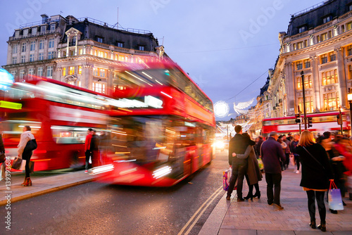 zakupy-przy-oxford-street-londyn-boze-narodzenie