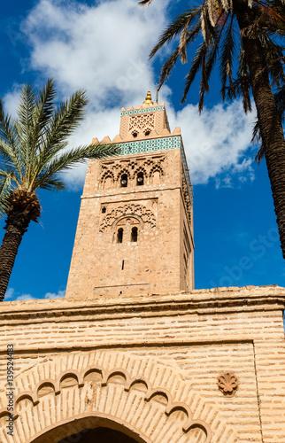 Fotobehang Marokko Koutoubia minaret made from golden bricks in centrum of media, Marrakesh, Morocco