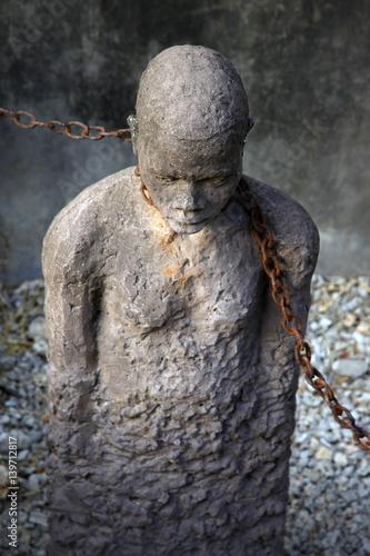 Staande foto Zanzibar African Slave trade statue