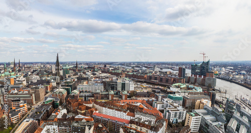Keuken foto achterwand Antwerpen Aerial shot of the metropolitan area of Hamburg, Germany - with the view on the
