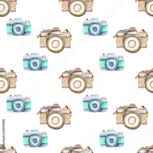 Seamless pattern with watercolor retro cameras, hand drawn isolated on a white background - 139749418