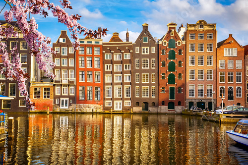 Foto op Plexiglas Amsterdam Traditional old buildings in Amsterdam at spring, the Netherlands