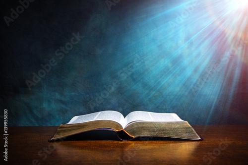 Open Bible - 139955830