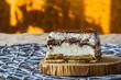 ciasto lion własnego domowego wypieku z posypką czekoladową
