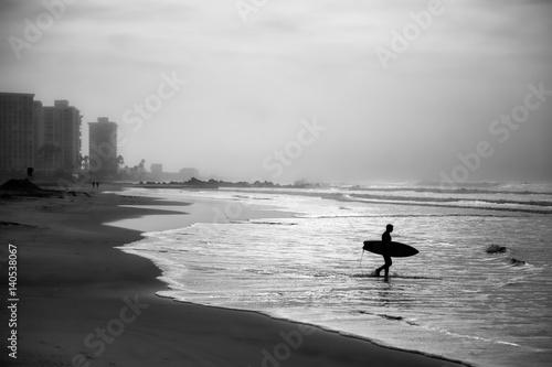 Morning Surf - 140538067