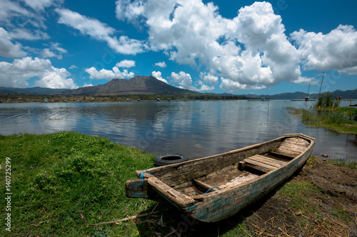 Keuken foto achterwand Bali Wooden passenger fishing boat on Lake Batur - Bali, Indonesia