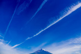 富士山と飛行機雲