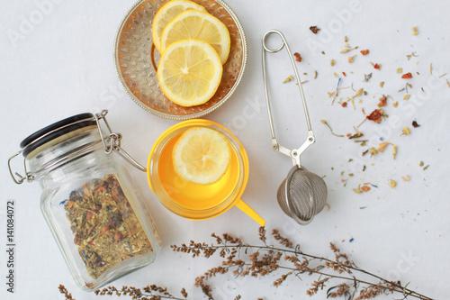 Poster herbal tea lemon slices