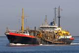 altes Baggerschiff im Hafen von Rotterdam