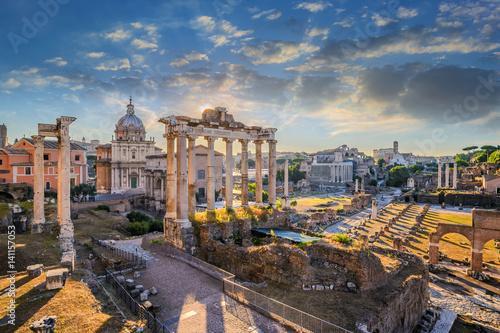 Forum Romanum, gdy wschód słońca, Rzym, Włochy