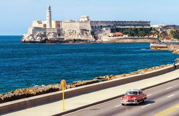 Blick vom Malecón auf das Castillo de los Tres Reyes del Morro in Havanna - La Habana Vieja